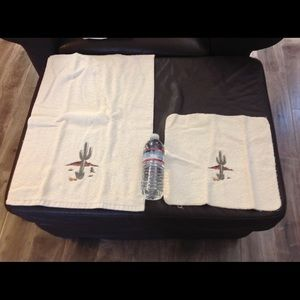 Other - Cactus embroidered towels set