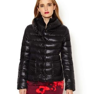 NWT T Tahari Short Down Puffer Coat - Black