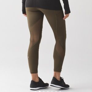 ISO: LULULEMON OUTRUN TIGHT