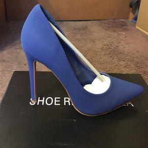 Blue Pointed Toe Pump