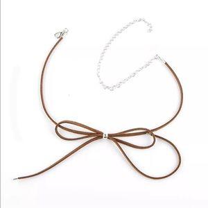 Jewelry - New✨ Brown Bow Choker😍✨