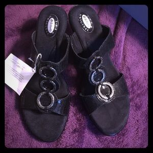 Dr. Scholl's Shoes - Brand New never worn Black dress Sandals