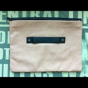 ASOS BLACK/TAN CLUTCH