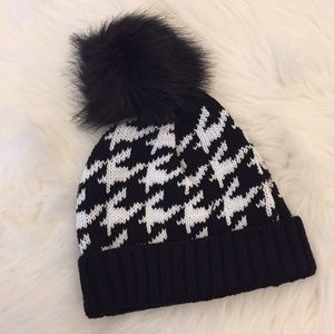 Accessories - Houndstooth Pom Pom Beanie