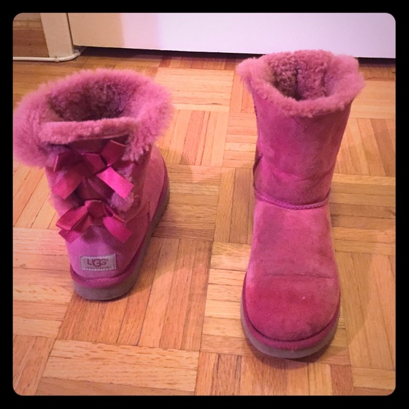 74 ugg shoes pink uggs with bows on back from