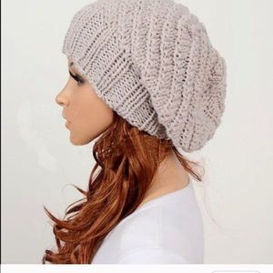 Accessories - Beige handmade hat beanie