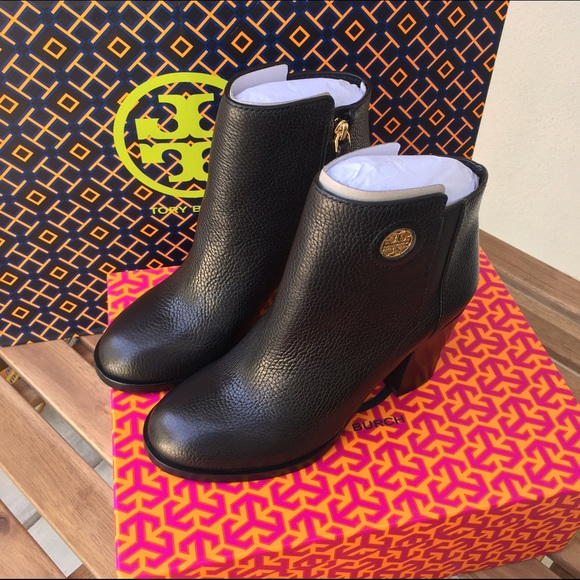 b89eceb77d3 🎄🎉SALE Tory Burch Junction Bootie Black