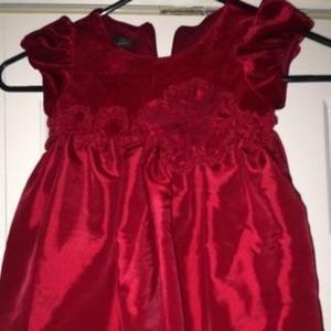 Isobella & Chloe Other - Beautiful red dress