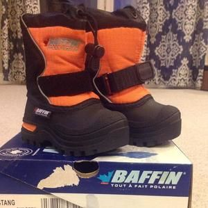 Other - Baffin snow boots