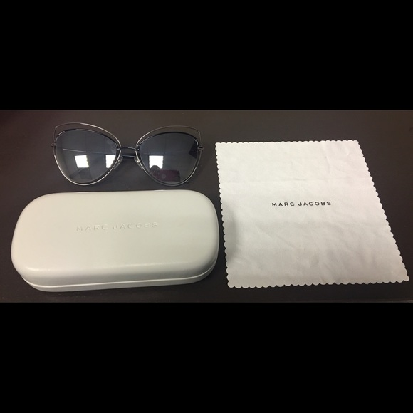 Marc Jacobs Accessories   Floating Cat Eye Sunglasses   Poshmark e29e4a7be2