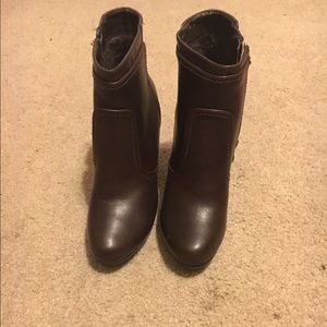 Shoes - Chocolate brown booties