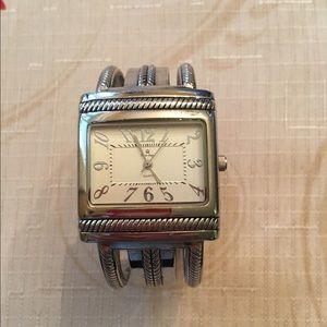 Jewelry - Premier Designs silver hinge cuff watch