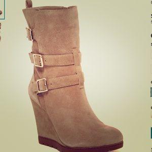 Arturo Chiang Shoes - ♦️🎉HP 10/30🎉[Final Sale] Arturo Chiang boots