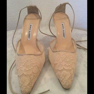 8507fe710e6 Manolo Blahnik Shoes - Manolo Blahnik Pink Lace Pointy Shoe Wm Sz 40 1 2