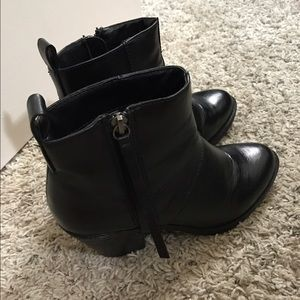 F21 faux leather size 6
