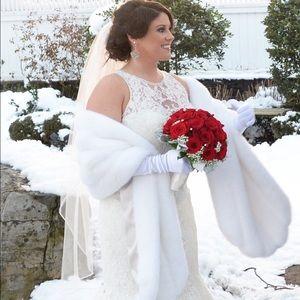 Fabulous Furs Jackets & Blazers - White faux fur stole