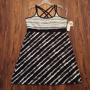 Lola Getts Active Dresses & Skirts - Black and White Print Athletic Dress 💪🏼