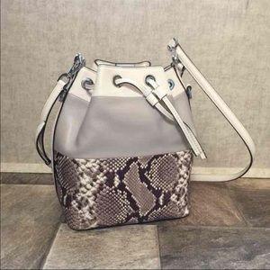 Michael Kors LG Dottie Bucket Bag