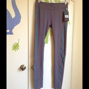 Colosseum Pants - Workout Yoga Pants Size Medium