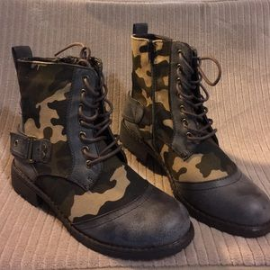 Diva Lounge Shoes - 🔥NO OFFERS❌NEW💕 Camouflage Military style boot