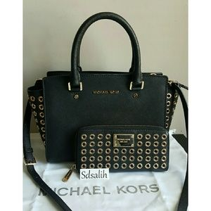 Michael Kors Handbags - Authentic Michael Kors Grommet Set