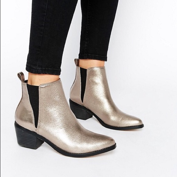 a591a9881bc5 ASOS Shoes - ASOS Risked It Chelsea Boots
