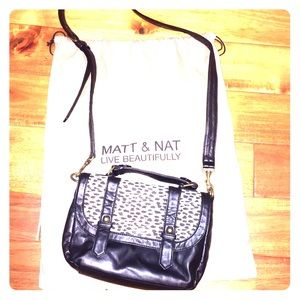 Matt & Nat crossbody bag black and white