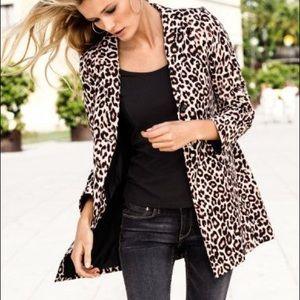 Jackets & Blazers - Form-fitting Leopard Print Trench Rain Coat