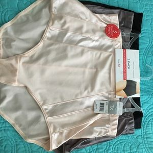 Marilyn Monroe Other - NWT Marilyn Monroe 3 pack shaping brief