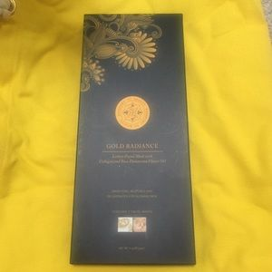 Other - Gold radiance luxury facial masks