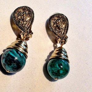 Jewelry - Gold tone & turquoise earrings. Clip on NWOT