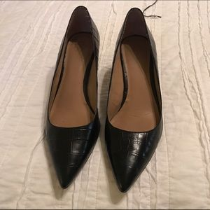 Ann Taylor black pointy toe pumps 8.5