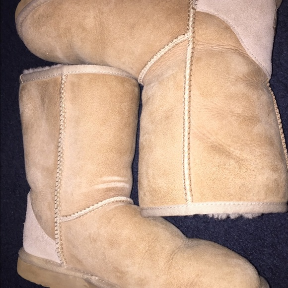 38 off ugg shoes sand colored classic short uggs from shay 39 s closet on poshmark. Black Bedroom Furniture Sets. Home Design Ideas