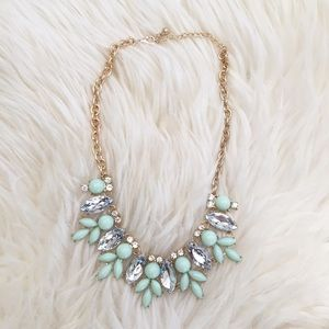 Jewelry - New! Mint & Clear Stone Petal Statement Necklace
