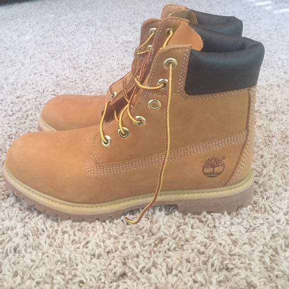⚡ ❗️Brand New Timbs ❗ ⚡️