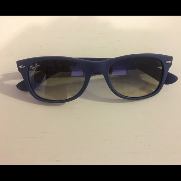 53e50211c4562 RAY-BAN Wayfarer Color Splash Sunglasses Brand New.  M 580bc7dfa88e7dc98b04f9c8