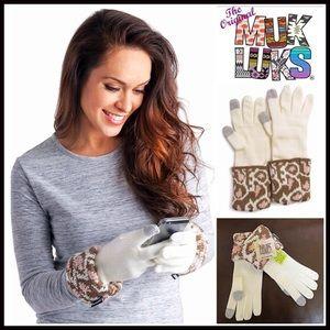 Muk Luks Accessories - MUK LUKS Leopard Cuff Tech Gloves