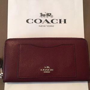 New Coach Burgundy Leather Zip Wallet