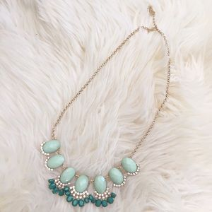 Jewelry - New! Green Stone Fan Statement Necklace