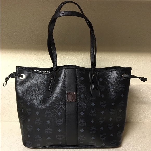 0272213d8bd8 MCM  Medium Liz  Reversible Shopper in Black. M 580bcc302ba50a8802050741