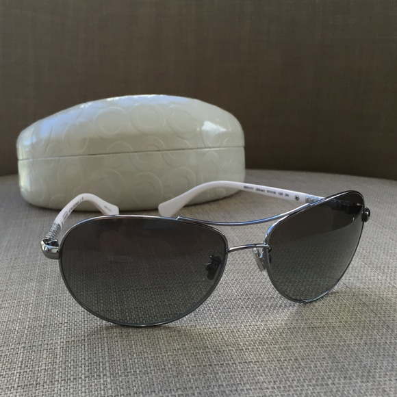 7bf5a93be9 NWT Coach Aviator Sunglasses