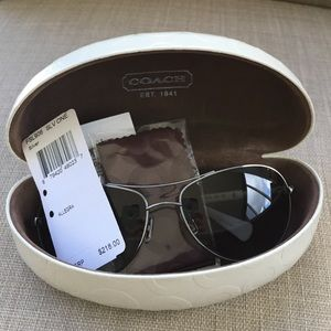28d06a9693 Coach Accessories - NWT Coach Aviator Sunglasses