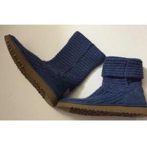 Ugg Classic Short Crochet knit Boots blue size 7