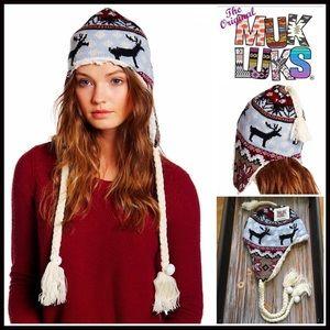 Muk Luks Accessories - ❗1-HOUR SALE❗MUK LUKS NORDIC BEANIE Tassel Hat