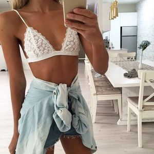 Other - White Daisy Bralette 🐚