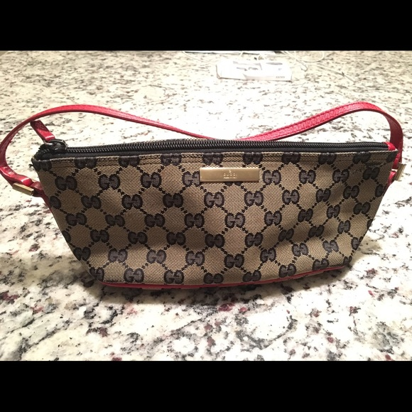0d13346c01e0 Gucci Handbags - 💯% Authentic Gucci Monogram Pochette Handbag