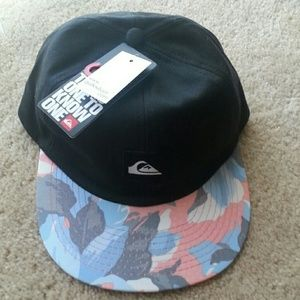 Quiksilver Other - Snapback hat! For men/young men.