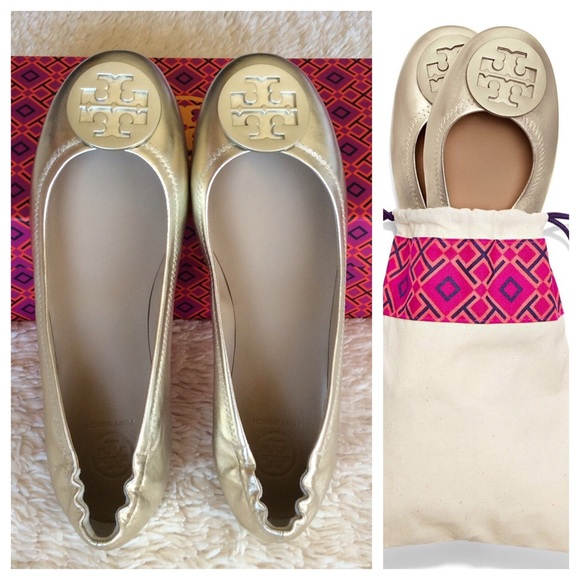 e401dc4e6f9d7f TORY BURCH MINNIE TRAVEL FLAT METALLIC LEATHER