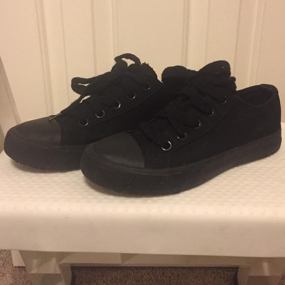 db64f5e7ac73bc Safe T step nonslip shoes. M 580bf18ffbf6f9e4af01881c
