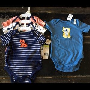 Offspring Other - Bundle of 3-6 month onesies